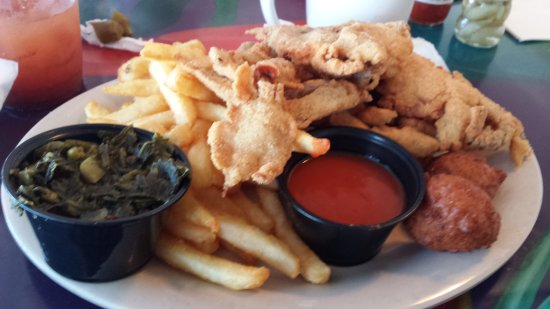 Oak Hill, FL: Soft Shell crab, awesome greens with fries & hushpuppier