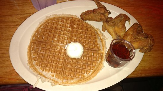 Roscoe's House of Chicken & Waffles: Delicioussss!