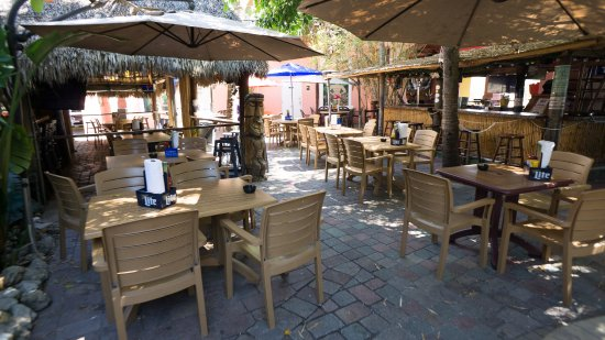 The Lighthouse Resort Inn and Suites: World Famous Lighthouse Tiki Bar