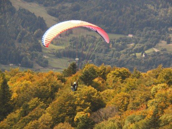 Kruth, France: Aile volante venant de décoler !