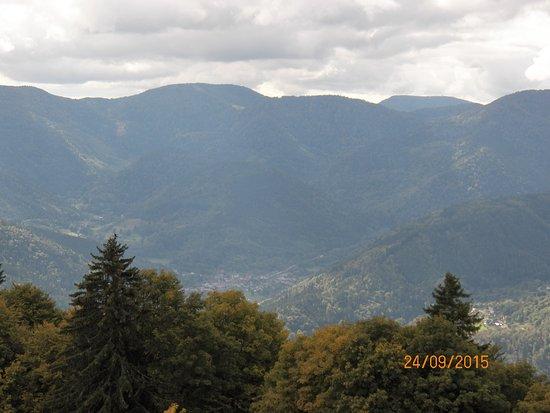 Kruth, France: La vallée, vue du Treh.