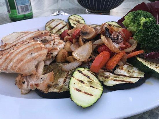 """Herzogenaurach, Tyskland: """"Petto di pollo con verdure alla griglia"""""""
