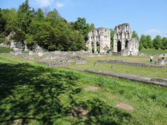 Rotherham, UK: More general view of Roche Abbey
