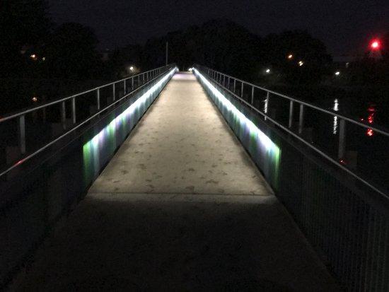 Raglan, Nueva Zelanda: Pedestrian bridge