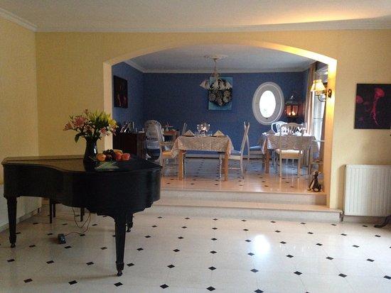 Tessy-sur-Vire, Fransa: Elegant surroundings