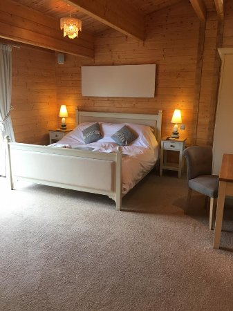 """Fynn Valley Holidays: Perfect size bedroom. """"The Light Room"""""""