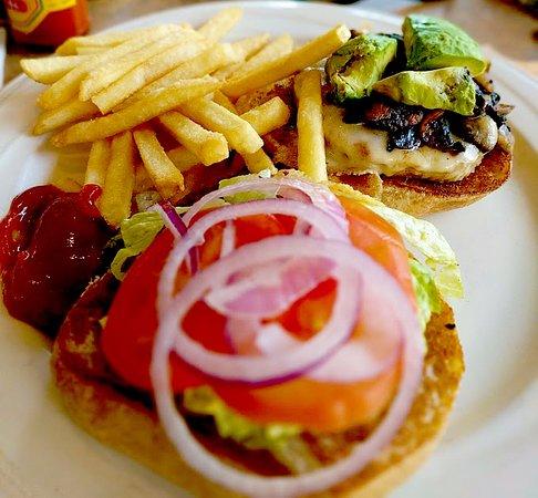 Montgomery, TX: The Café Burger