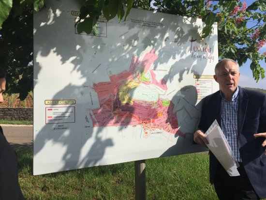Burgundy Discovery: Robert describes the areas we will visit.