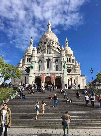 Photo of Historic Site Dome - Basilique du Sacré-Cœur de Montmartre at Basilique Du Sacré-cœur De Montmartre, Paris 75018, France