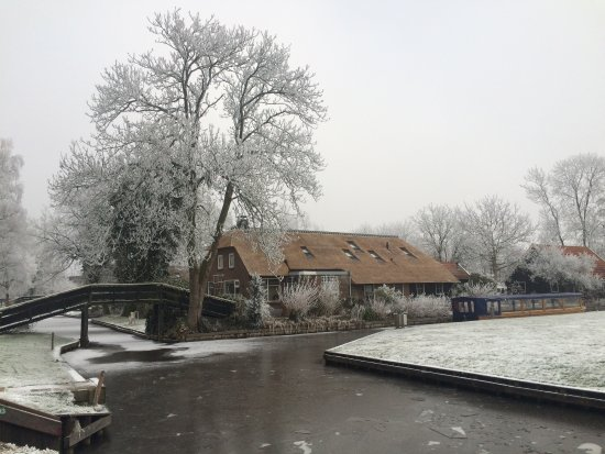Hostel In Winter Picture Of The Black Sheep Hostel Giethoorn