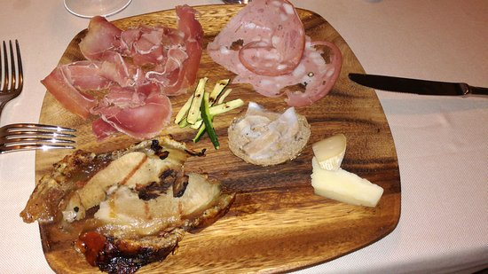 Antipasto romano picture of ristorante il cantinone for Antipasti romani