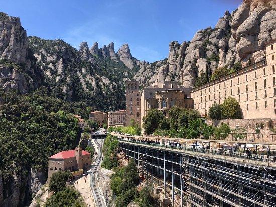 Barcelona Day Tours: Montserrat Mountain