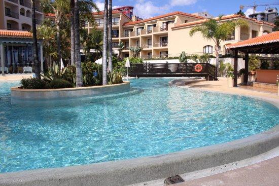Suite Hotel Eden Mar: Meerdere mooie zwembaden.