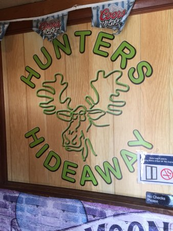 Nappanee, IN: Hunters Hideaway Bar and Grill