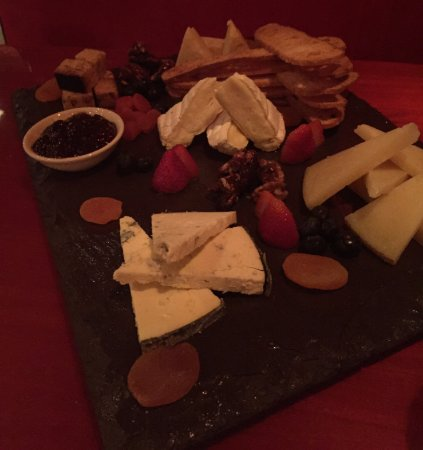 Newberry, FL: Selection of 5 Worldy Cheeses