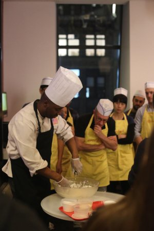 Residence Inn New York Manhattan/Times Square: A variety of CocuSocial's cooking classes hosted at the Bryant Park Lounge: Pizza & dumplings ma