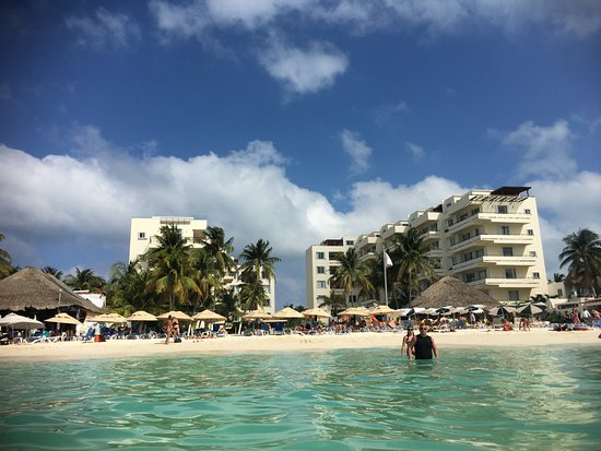 Ixchel Beach Hotel: View of hotel from the water