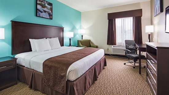 Pool - Picture of Best Western River City Hotel, Decatur - Tripadvisor