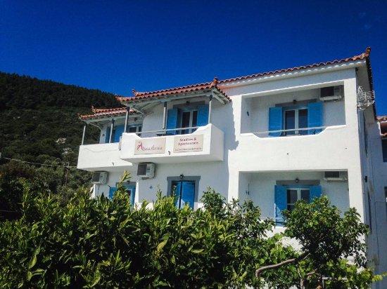 Anastasia Studios & Apartments