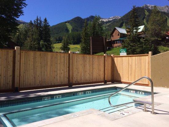Ферни, Канада: Griz Inn at Fernie Alpine Resort