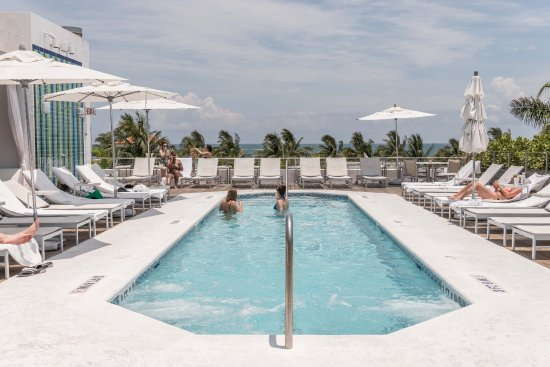 Art Deco Walks: The Hotel Swimming Pool And Sea View