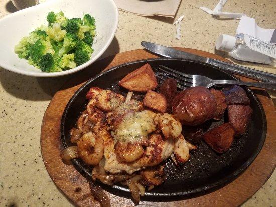 McDonough, GA: Chicken and Shrimp wurh Crispy Potatoes, onions ans mushrooms and side irder if broccoli