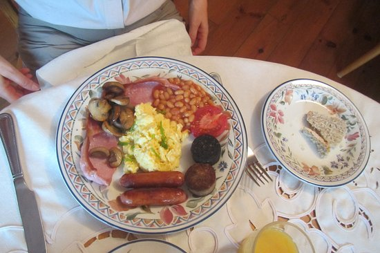 Tarbert, Ireland: the irelish breakfast with scrabbled eggs