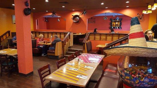 El Cajon, Californië: Seating Areas in Marieta's