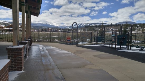 Fraser, CO: Outside play area