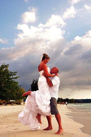 Beachcomber Club: our wedding on the beach