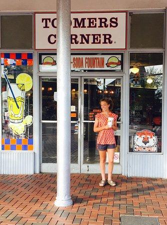 Toomer's Corner: photo0.jpg