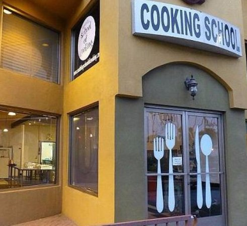 Redondo Beach, Califórnia: Outside of the cooking school