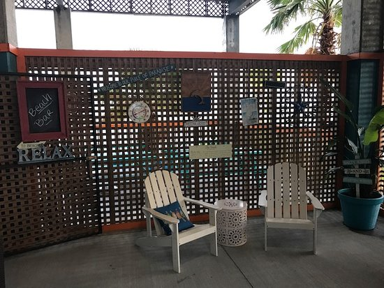 ‪‪Long Beach‬, ‪Mississippi‬: Outdoor bar.....‬