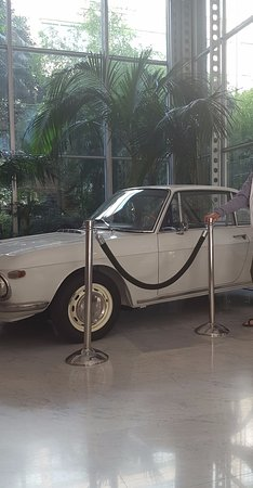 NH Torino Lingotto Congress: Fiat displayed in the foyer