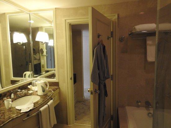 Grand Coloane Resort Macau: 201705061602 many toiletries
