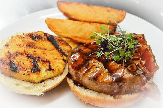 Manahawkin, NJ: Hawaiian Tuna Steak Sandwich