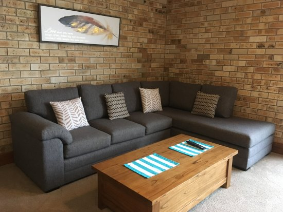 Nambucca Heads, Australia: Comfy lounge for guest use