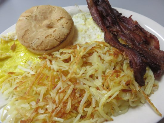 Spring Lake, MI: Eggs, bacon and hash browns
