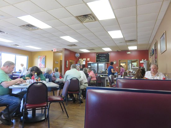Spring Lake, MI: Booths and table seating