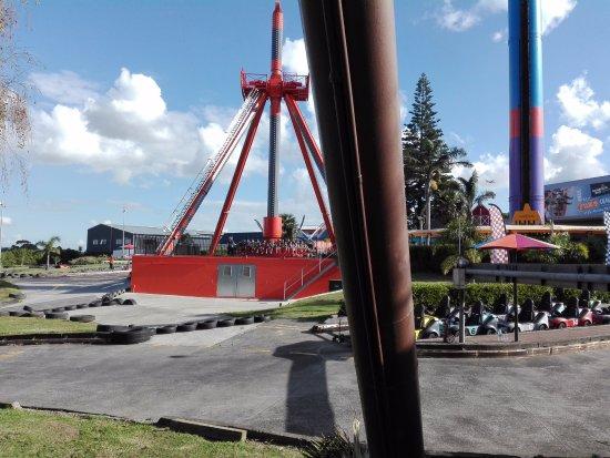 Manukau, Nowa Zelandia: View of one of the rides