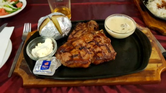 Stonehaven on Vaal: 500g T-Bone steak. Somewhat bland and sour cream was like sucking on a lemon.