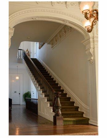 White Castle, LA: Grand staircase