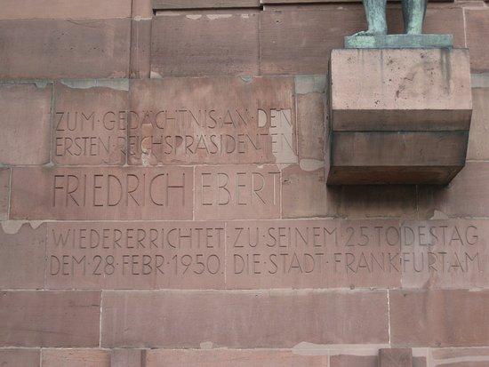 Friedrich-Ebert-Denkmal