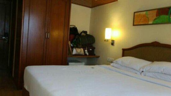 Fariyas Hotel Mumbai: goibibo_1494958920772_large.jpg