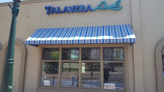 Chula Vista, CA: Talavera Azul Entrance