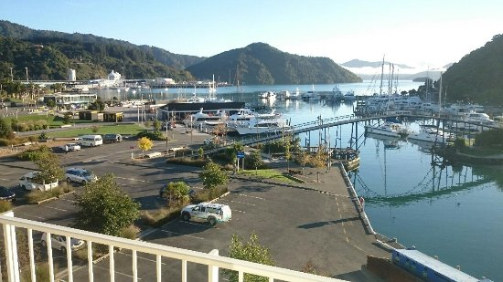 a stunning day picture of picton beachcomber inn picton rh tripadvisor co nz