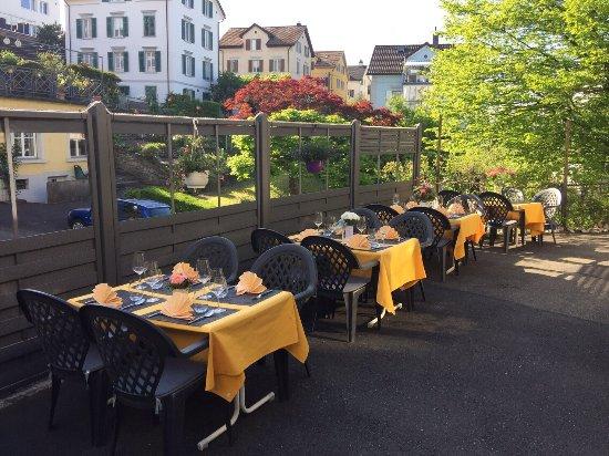 Thalwil, Швейцария: All You Can Eat Buffet mit Früchteteller Probieren sie auch neu unsere hausgemachten Eistees