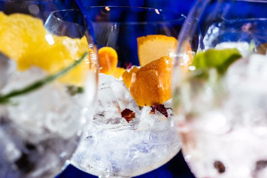 Penarth, UK: Gin