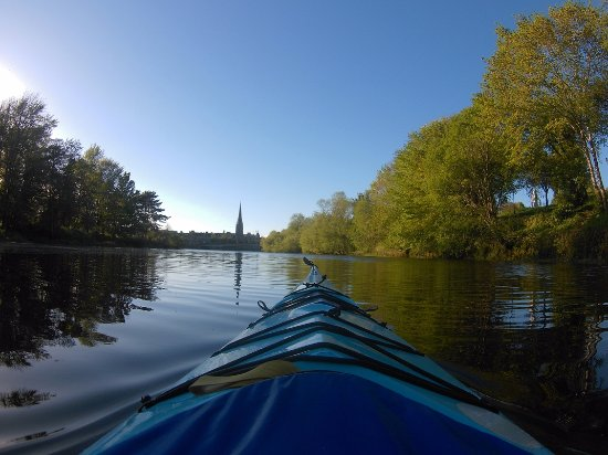 Blairgowrie, UK: Try to kayak into Perth - amazing places...