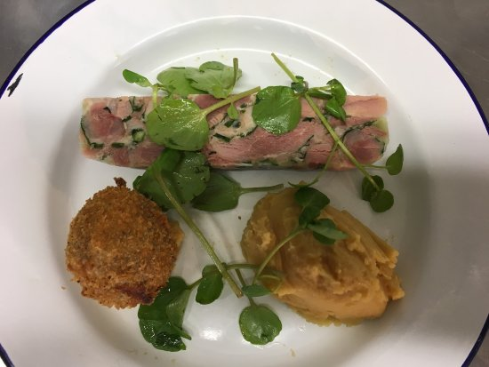 Wye, UK: Just voted in the top 50 Gastro pubs in the UK and these are some new dishes off the new menu